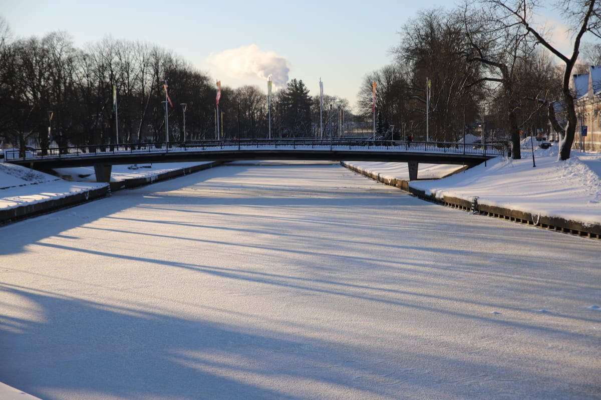 Talvi, joki jäässä, Salonjoki