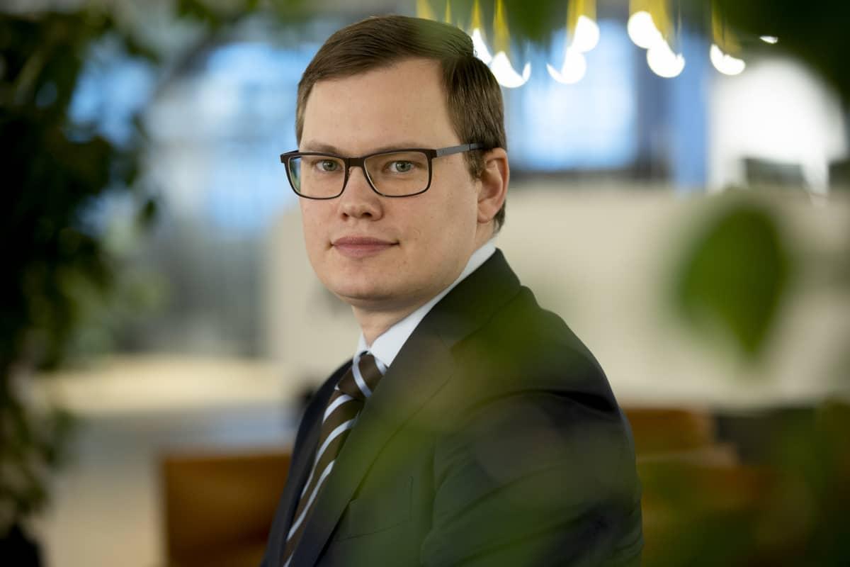 Aktia-pankin pääekonomisti Lasse Corin