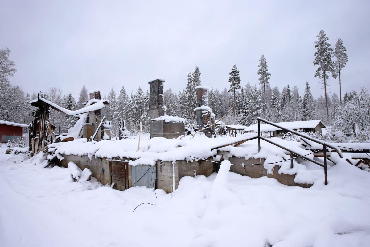 Savonrantalaisen Nyrhisen suvun kotitalo tuhoutui tulipalossa täysin