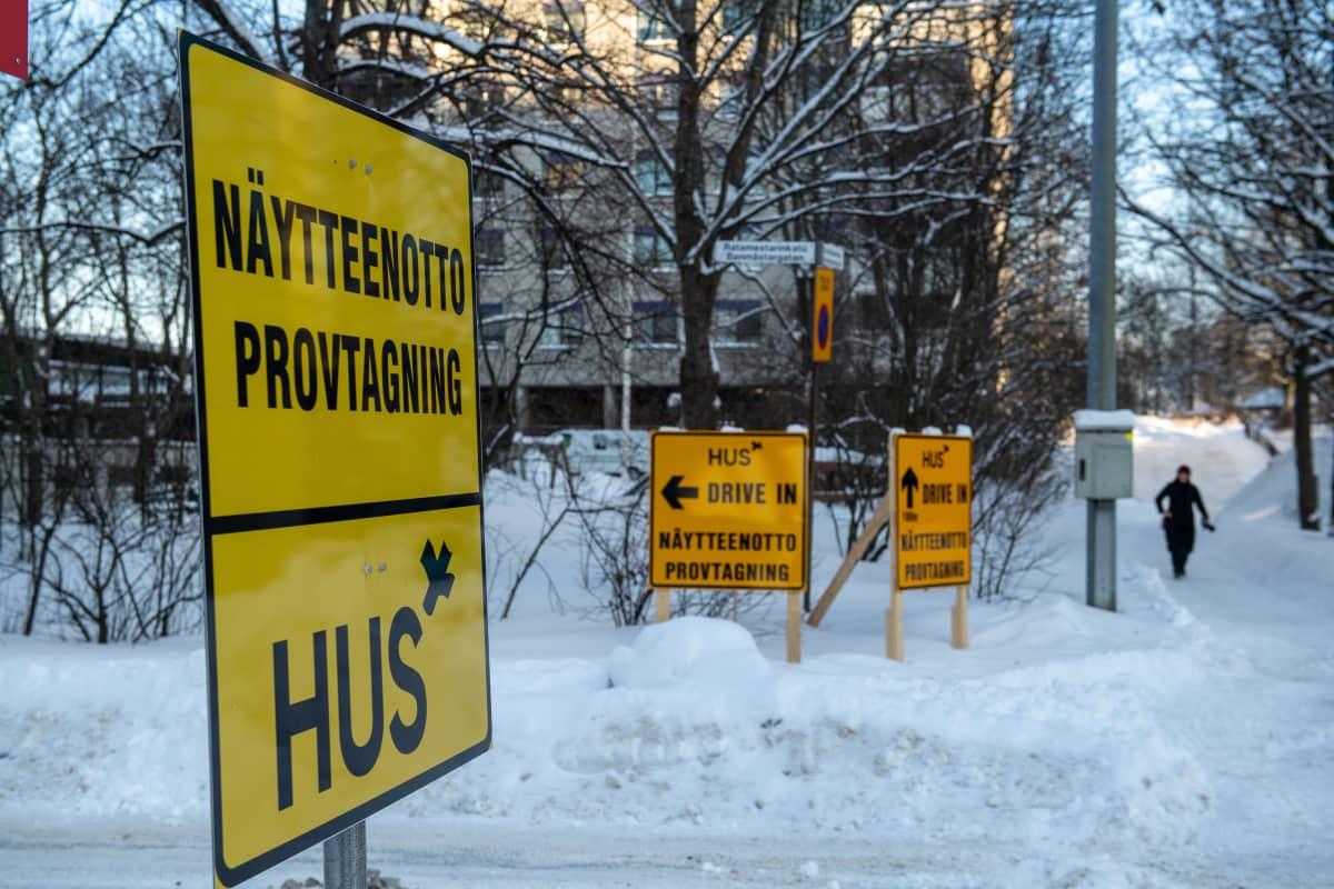 Koronavirustestaus Drive in piste Itä-Pasilassa.3.2.2021.