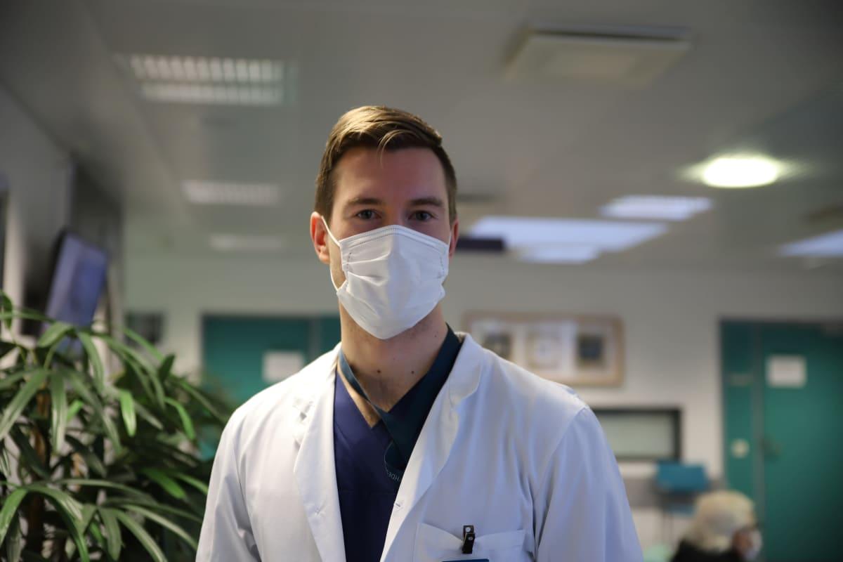 Lääkäriliiton professiojaoston puheenjohtaja, reumatologian erikoislääkäri Joonas Rautavaara