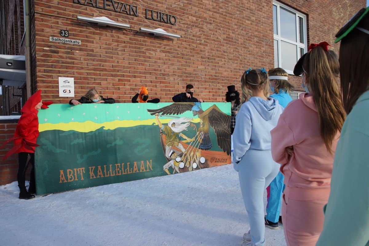 Penkkaripäivä Kalevan lukiossa Tampereella 11.2.2021.