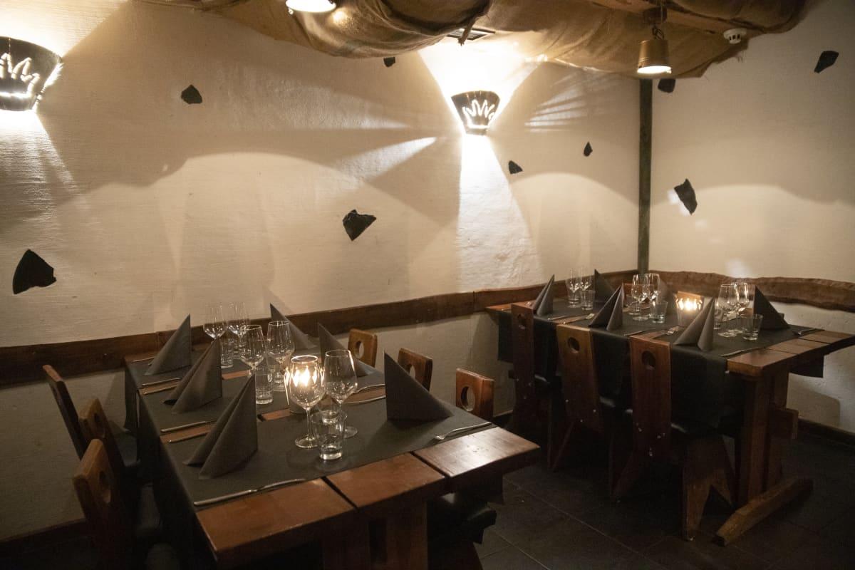 Ravintolassa on hiljaista.