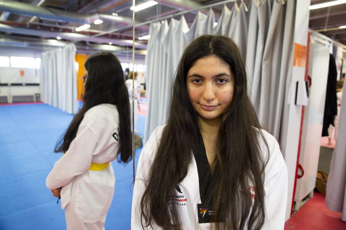 Sengul Böluk teakwondo treenaaja.
