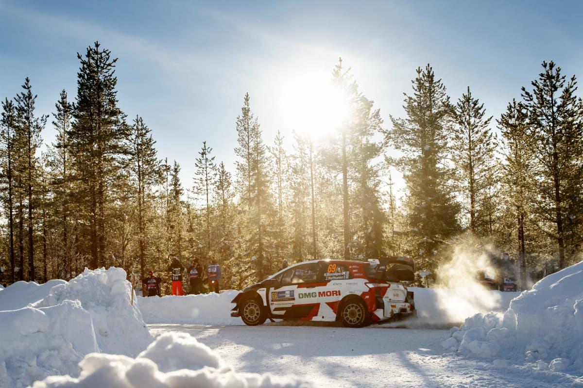 Toyotan Kalle Rovanperä ajoi toiseksi Rovaniemen MM-rallissa 2021.