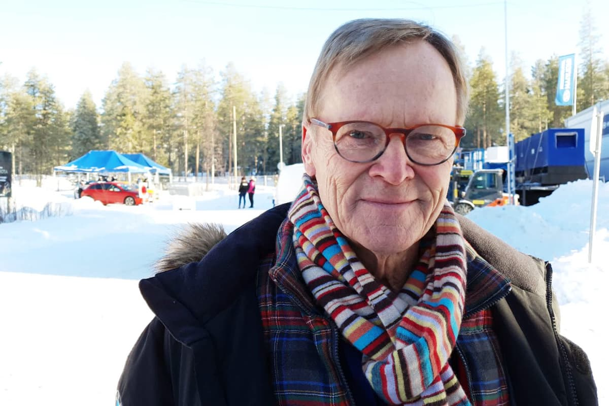 Rallilegenda Ari Vatanen Rovaniemen MM-rallissa.