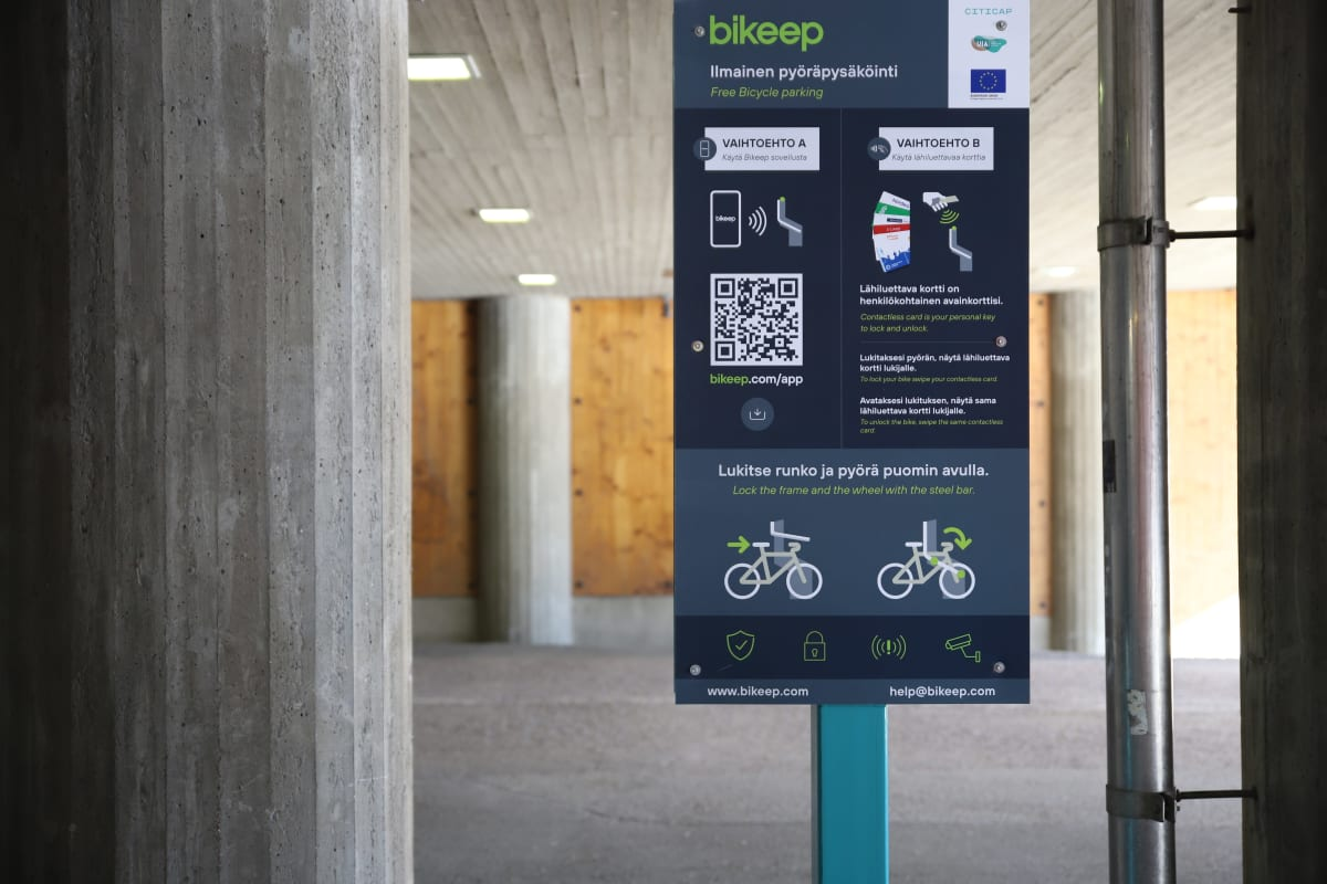 Ilmainen pyöräpysäköinti Lahden Matkakeskuksessa