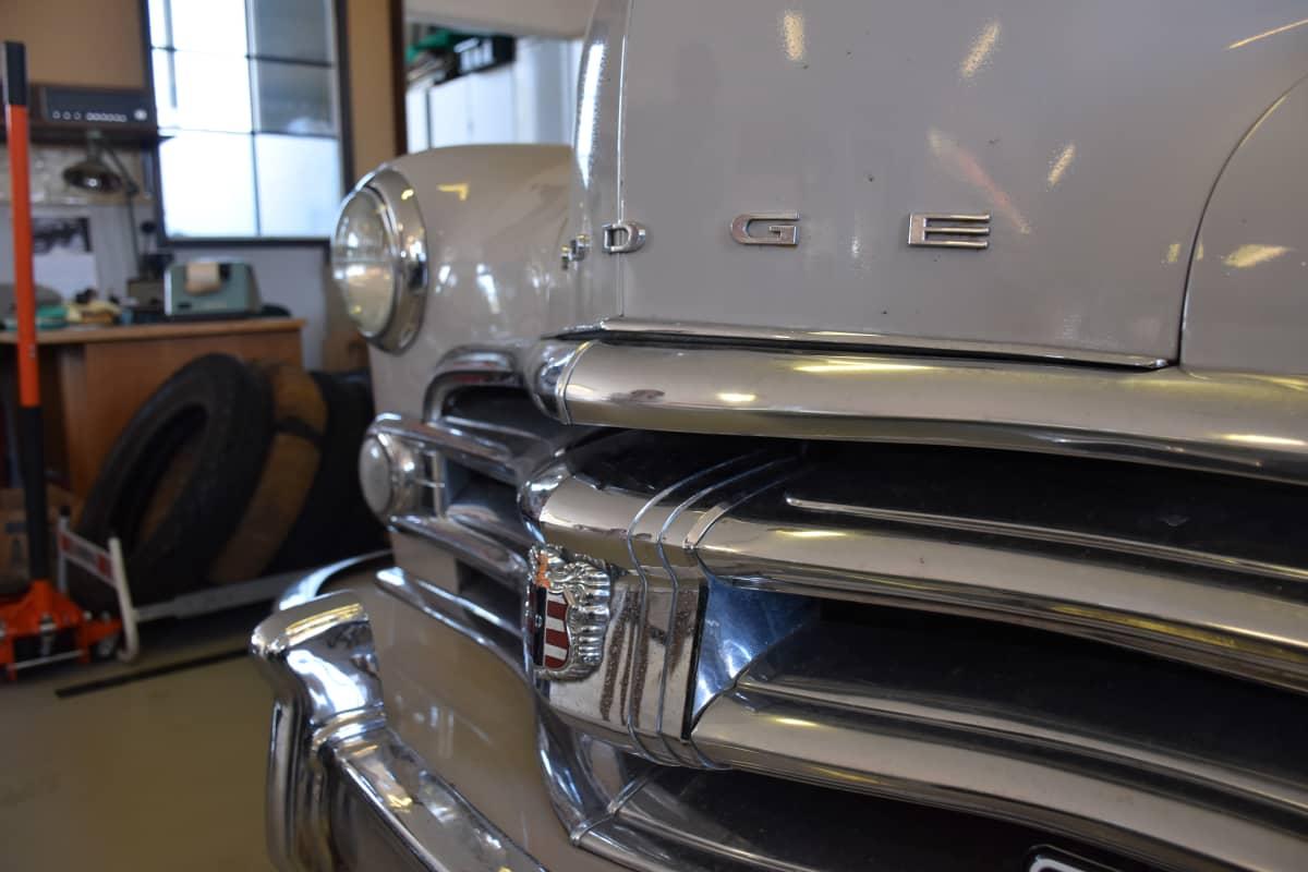 Dodge Wayfarer -auto Porissa.