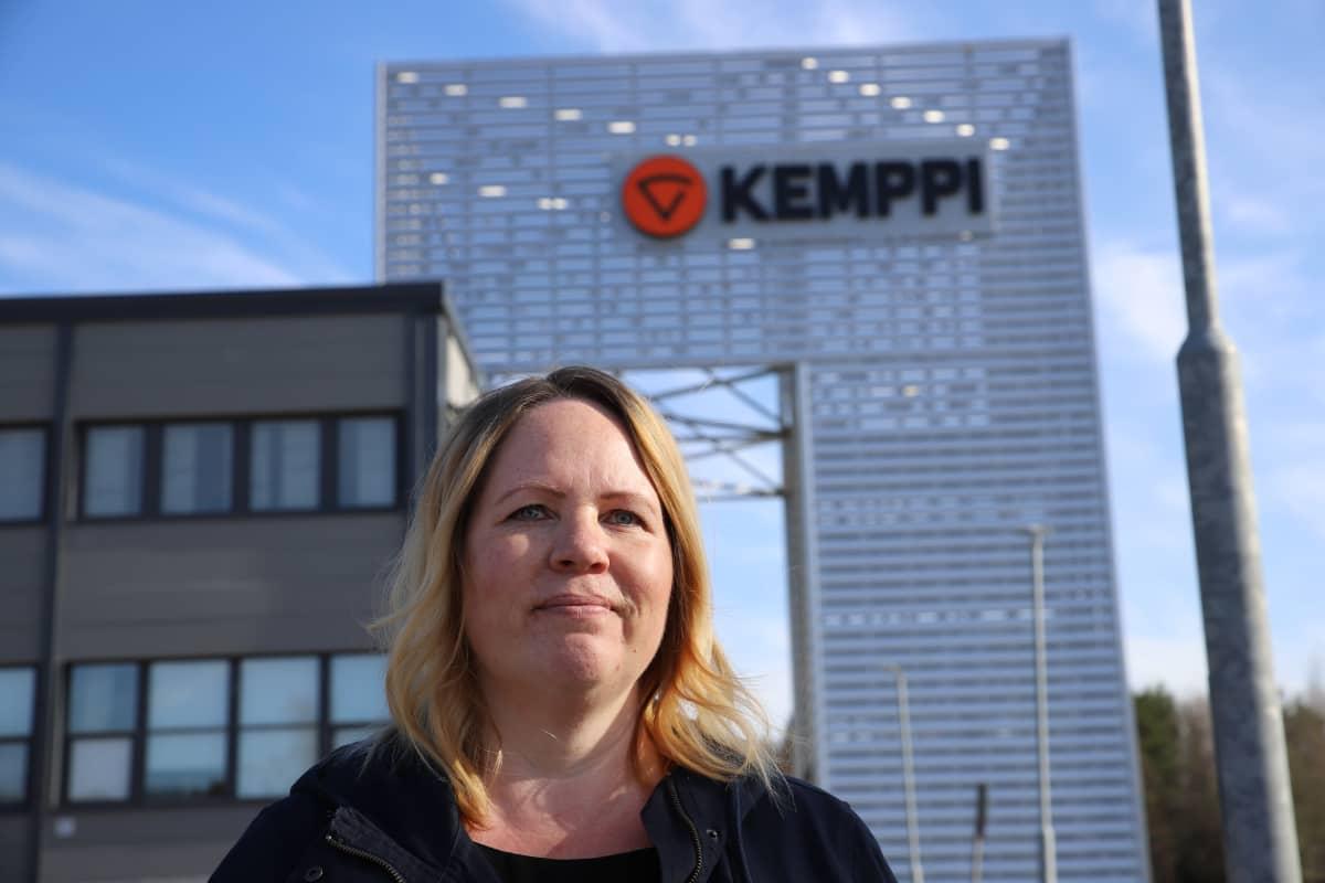 Kemppi Groupin henkilöstöpäällikkö Miia Ylikorpi kuvassa.