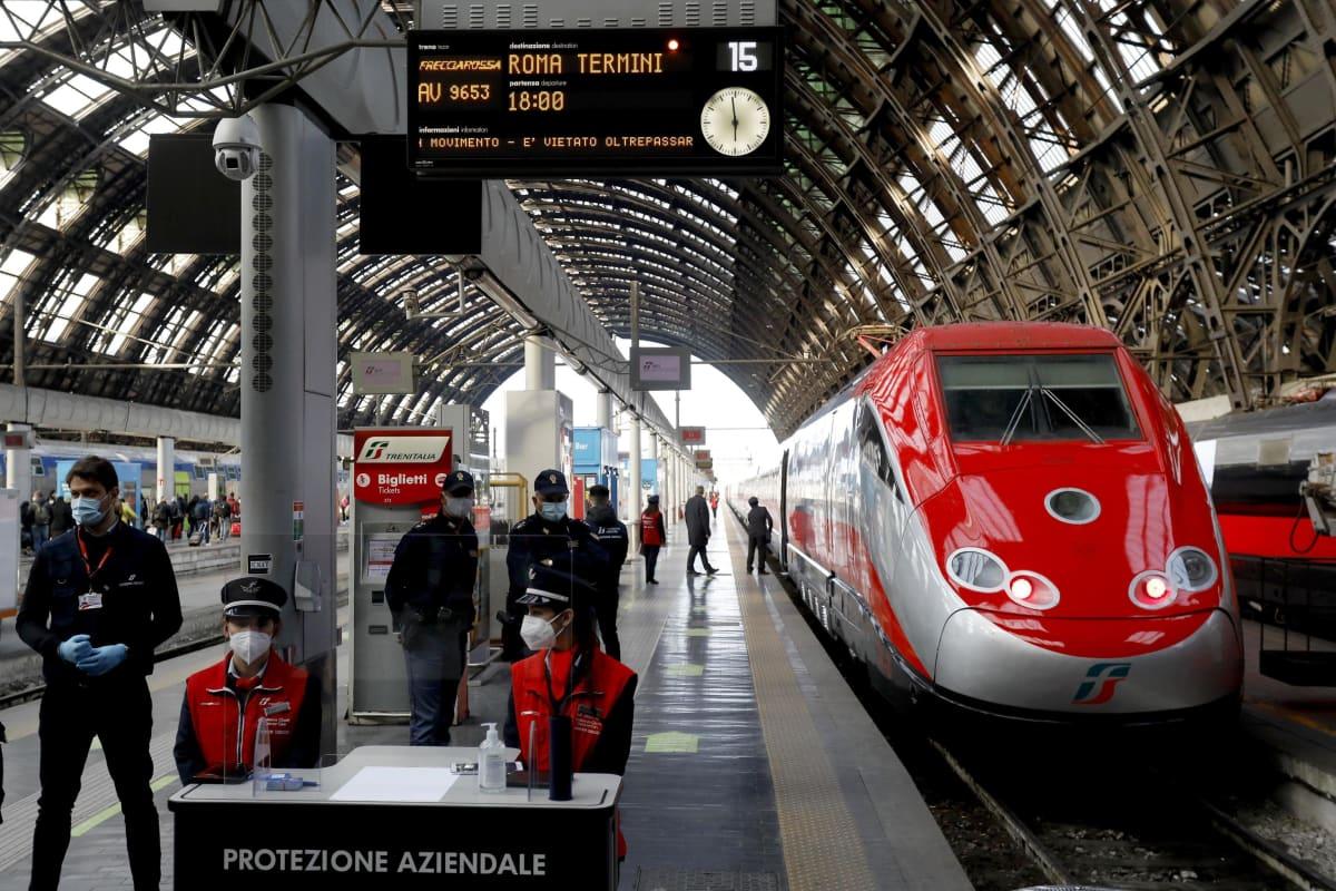 Junan lähtölaituri Milanossa.