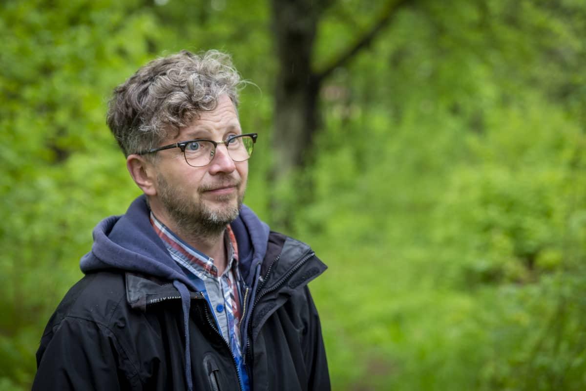 Kotka city gardener Marko Pesu in the beech forest.
