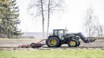 Löytyykö ratkaisu ilmastonmuutokseen tavalliselta suomalaiselta pellolta?