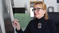 Vihdoin takaisin kotona: Liisa Karekivi kuljetti vuosia kotirannan hiekkaa pullossa lievittääkseen ikävää