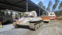 Manga-sankari ja muut panssarivaunut pääsevät vihdoin katosten suojiin: