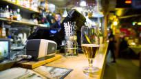 Juhliminen saattaa helpottaa opiskelustressiä, mutta liika alkoholi pahentaa ahdistusta