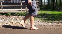 Kirurgin veitsen sijasta katse jalkoihin – biomekaniikalla korjataan väärää kävelytyyliä