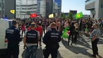 Tampereella osoitettiin mieltä ulkomaalaisen maastapoistamista vastaan – poliisi otti kaksi kiinni