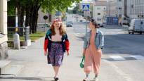 Teatteriammattilaisuus voi olla unelmana raskas – siskokset Aino, 27, ja Iida, 25, ovat kulkeneet sitä kohti työtä pelkäämättä ja pienin askelin