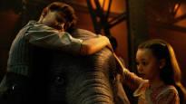 Dumbo kääntyy tummanpuhuvaksi Tim Burton -fantasiaksi – Disney jatkaa klassikkoanimaatioidensa kierrättämistä