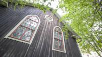 Jyväskylän keskusta kätkee harvojen tunteman temppelin – perustajan mukaan Väinämöisen enkeli määräsi rakennuksen paikan, mutta keitä siellä käy?