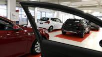 Trafin ongelmat ovat vaikeuttaneet autokauppaa – kaikkia autoja ei ole voitu luovuttaa asiakkaille