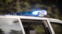 Mies häiritsi poliisin ohitusta Hämeenlinnassa kiihdyttämällä, vaikka rekka tuli vastaan: