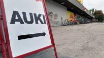 Kauppakeskuskulttuuri kukoistaa Suomessa, mutta mitä siitä seuraa? Tyhjentyneet keskustat ja näivettyneet lähiostarit huolestuttavat tutkijaa