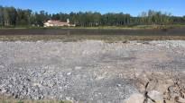 Pahoin saastuneesta Pukinjärvestä pursunnut maa uhkaa tulla Vaasalle kalliiksi – pelkona haitta-aineiden valuminen Onkilahteen ja mereen