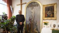 Kiinteistömestari Jouni Heiskanen pelasti ehtoollishopeat ja alttaritaulun Kiihtelysvaaran kirkkopalosta: