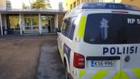 Vamian puukottajalle vaaditaan vankeutta murhan yrityksestä