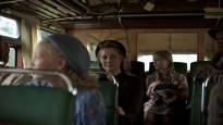 Oma maa tarjoaa naisnäkökulmaa raivaajavuosiin – Paula Vesala pyyhki käsikirjoituksesta pölyyntyneimmät suomikliseet