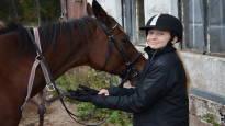 Aava Korhosen, 12, selkä korjattiin ensimmäisenä Pohjoismaissa pingotusleikkauksella –