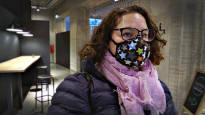 Hanna Tuominen turvautuu hengityssuojaimeen tuoksuherkkyytensä takia – tuoksuttomuus laajenee hitaasti julkisilla paikoilla