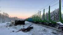 Iso erikoiskuljetus kulkee Rovaniemeltä Ouluun