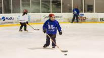 Jääkiekkoharrastus aukeaa yhä useammalle lapselle ja nuorelle – höntsäkiekko on niille, jotka eivät halua pelata liian vakavissaan