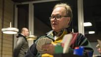 Kun kortit on jaettu, Juha Luostarinen sulkee ulkomaailman ympäriltään – pelkkä taito ei riitä, jos mielii bridgen mestariksi
