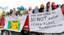 Tältä näyttivät penkkariautojen lakanat ympäri Suomen – valitaan niistä yhdessä päivän paras!