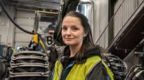 Edes varma työpaikka ei riitä tuomaan metsäalalle tarpeeksi opiskelijoita – Laura Huovinen, 28, vaihtoi kaupan kassan metsäkoneen puikkoihin