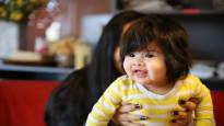 Dua Olivia Pazin vauvatukka on ihastelun aihe – monessa maassa hiukset ovat voiman symboli, mutta äidiltä hiuslaatu voi vaatia työtä ja kärsivällisyyttä
