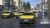 Näin taksien hinnat muuttuivat – Rajuimmin kallistuneessa paikassa mittari raksuttaa, vaikka auto seisoo paikallaan