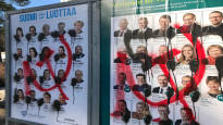 Poliisi tutkii: Vaalimainoksia on rikottu ja sotkettu Tampereella ja Jyväskylässä useissa paikoissa