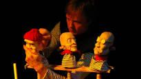 Aapo Repo luo leikkimaailmoja nukketeatterillaan – on saanut 30000 euron valtionpalkinnon