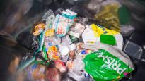 Pikkukuntien asukkaat kyllästyneet muovipakkausten kärräämiseen – haluavat omaan kuntaan keräyspisteen