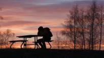 Väitöstutkimus: Suomalaisten miesten itsemurhariski kasvaa matalapaineella, naisilla taas korkeapaineella
