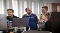 Työpaikan tehottomin osa saattaa olla oma pomosi – Suomen parhaina työpaikkoina pidetään yrityksiä, joissa ei ole esimiehiä