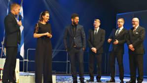 Esapekka Lappi, Inka Korhonen, Janne Ferm, Mika Häkkinen, Juhani Pakari ja Tatu Lehmuskallio Mestareiden illassa 2016.