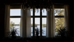Näkymä Kivijärvelle Kotkaniemen olohuoneesta
