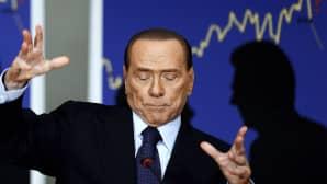 Italian entinen pääministeri Silvio Berlusconi entisen ministerin Renato Brunettan kirjan julkistamistilaisuudessa.