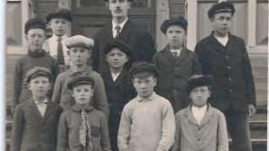 lönnrotin koulun oppilaita 1920-luvun alussa
