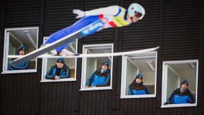 Yhdysvaltain Bill Demong hyppää 2015 FIS Nordic World Ski Championships -kilpailussa Falunissa, Ruotsissa 22. helmikuuta 2015.